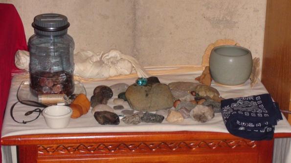 The Earthvaettir, Moneyvaettir, and Warrior Dead shrines all on one surface.